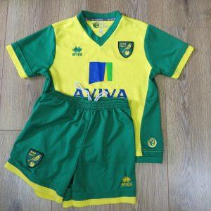b66ec9abd Norwich City 2013-14 home kit Errea shirt shorts size 34 Boys L