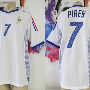 f2b9aa399 Vintage France 2002 2003 2004 away shirt adidas jersey Pires #7 size M